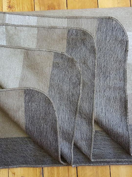 Alpaca Blanket Shutter Brown