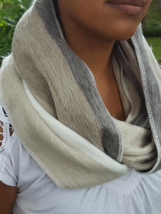 Alpaca Infinity Scarf Shutter White Grey