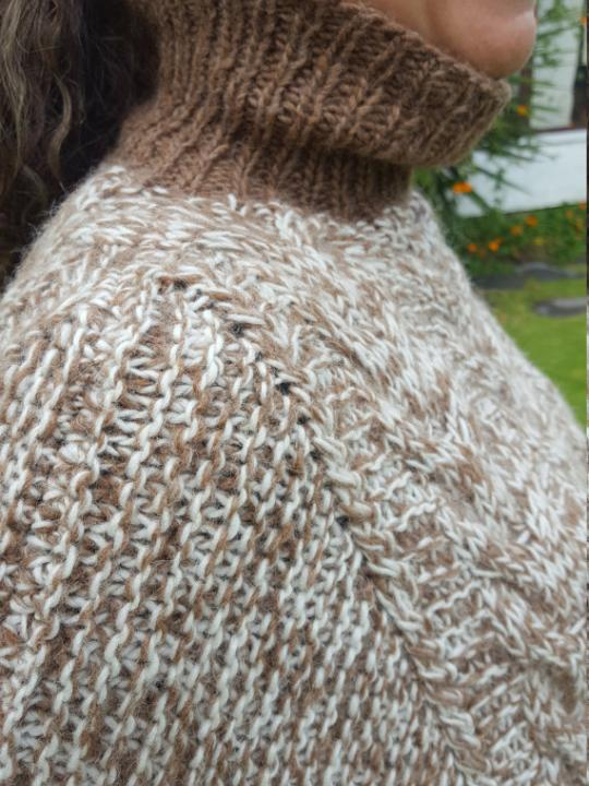 Alpaca Poncho made from 80% Alpaca Wool White & Brown