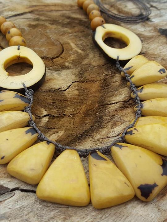 Necklace Tagua-Acai Dark Yellow