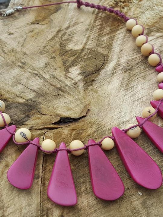 Necklace Tagua-Acai Fuchsia & Ivory