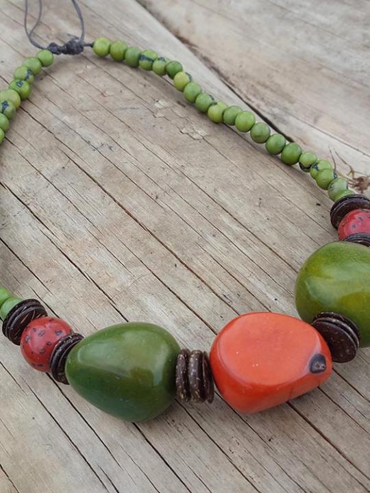 Necklace Tagua-Acai Green & Orange