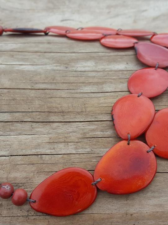 Necklace Tagua-Acai Red