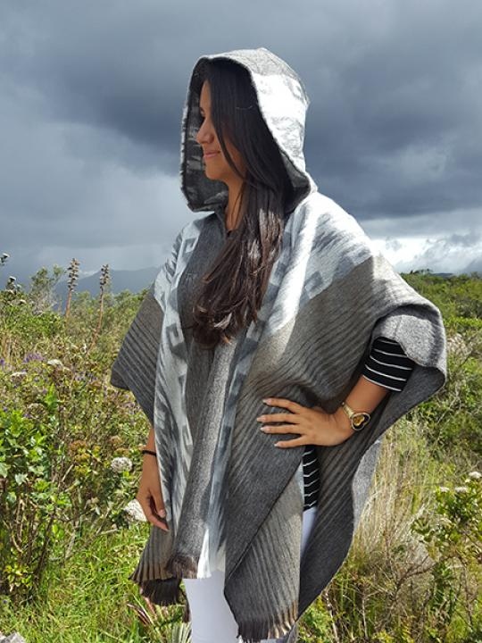 Alpaca Poncho Hooded Grey