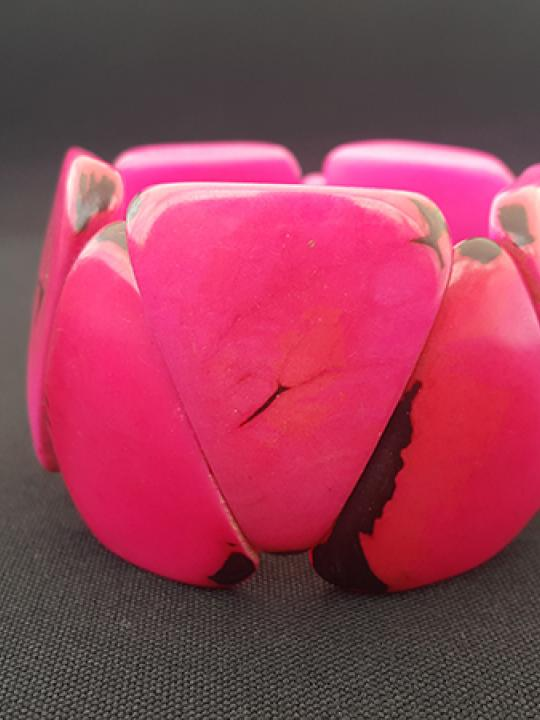 Bracelet Tagua  Dark Fuchsia with black spots on the edges